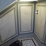 Cage d'escalier faux-marbre