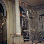 Patine à l'huile et colonne faux-marbre, hôtel George V